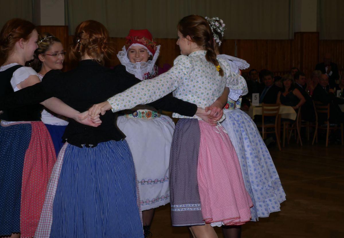 Divadelni-bál-22-011