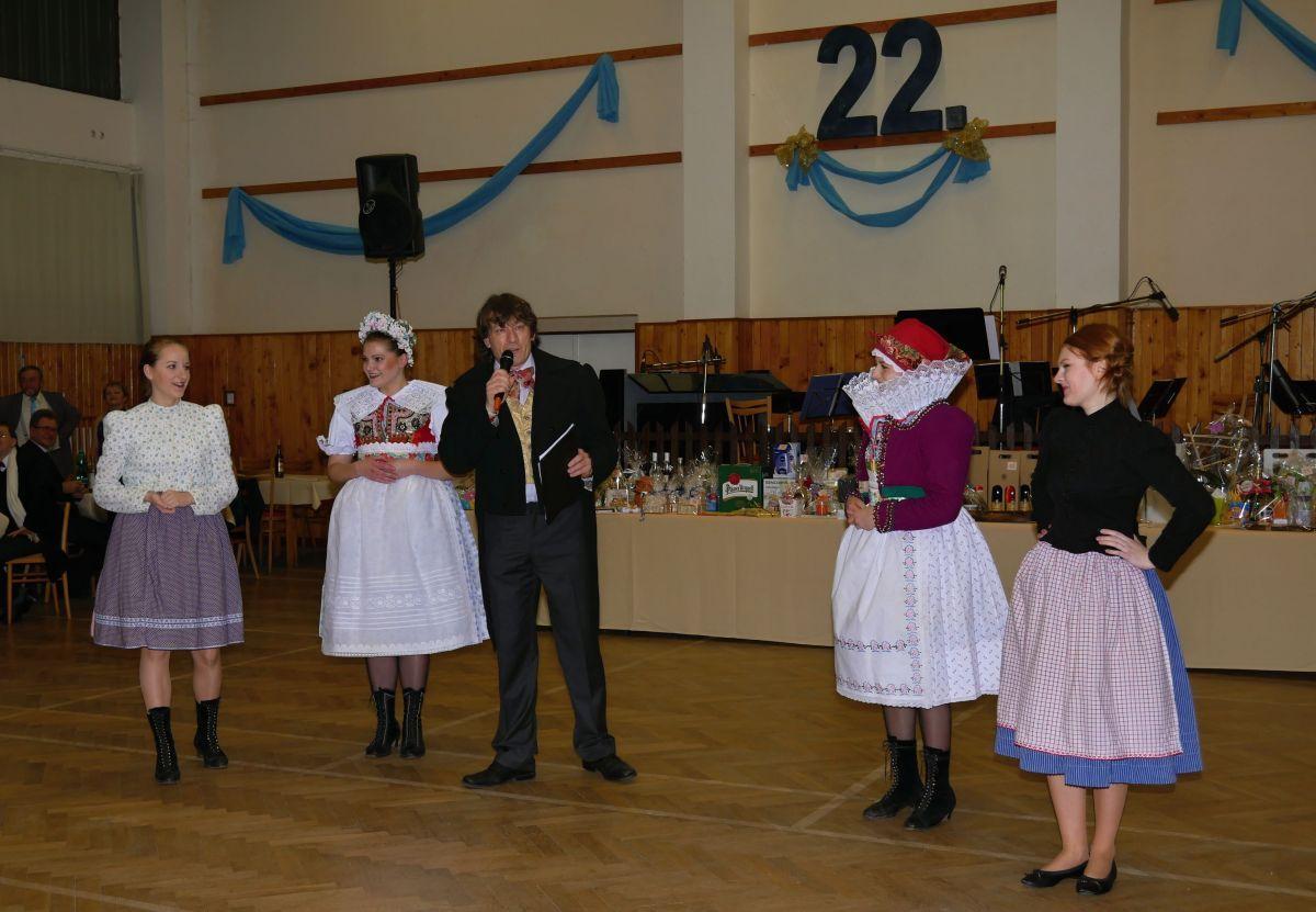 Divadelni-bál-22-012
