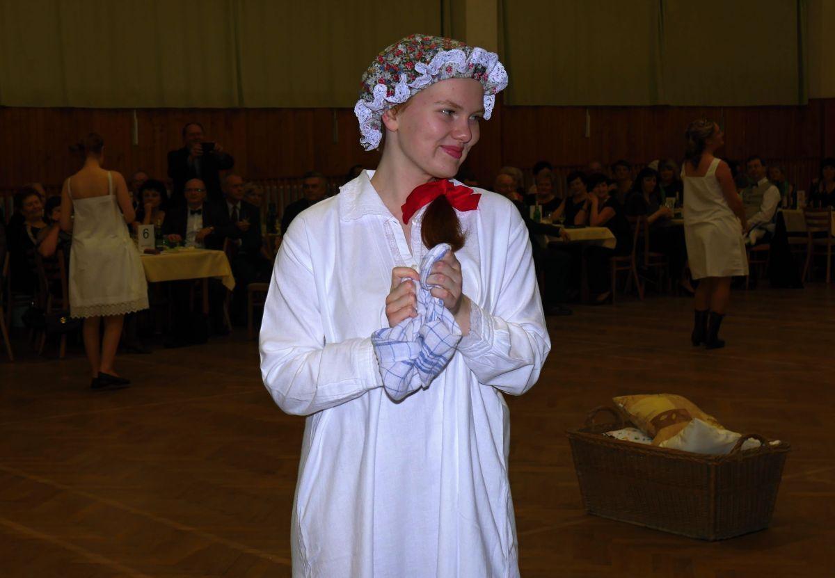 Divadelni-bál-22-016
