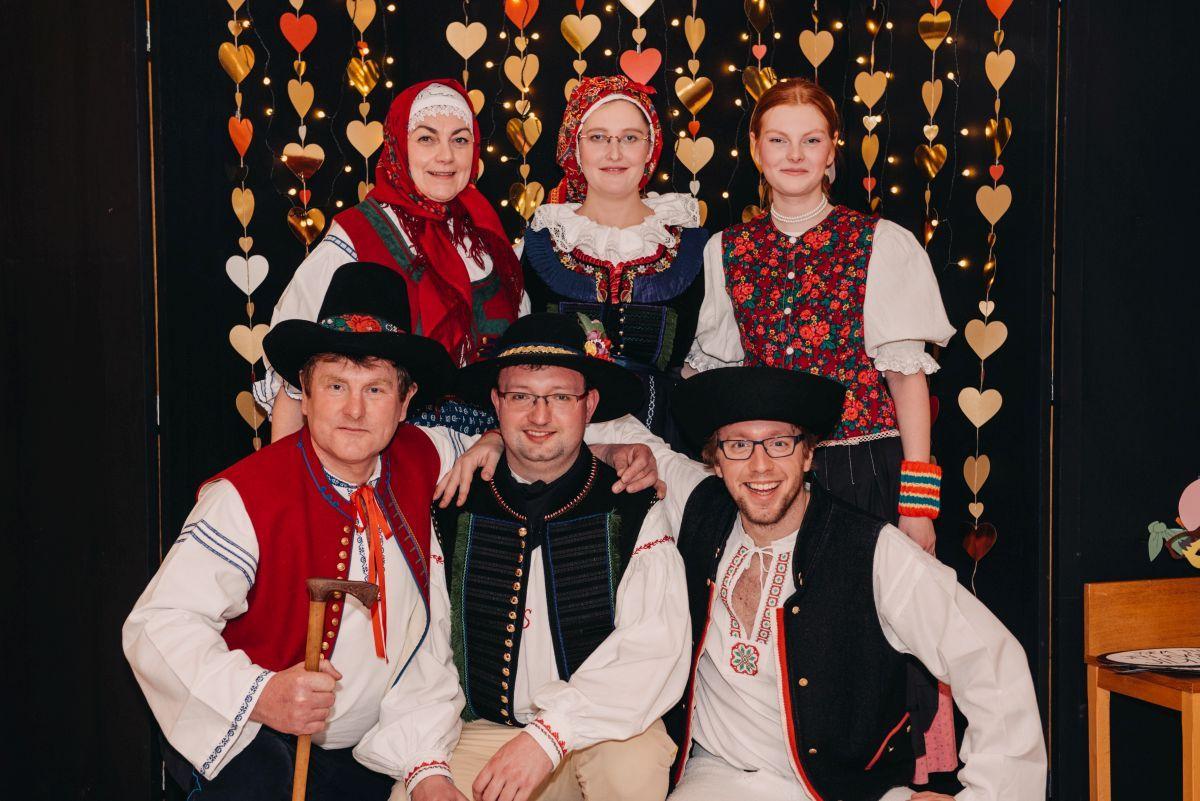 Divadelni-bal-25-045-1200