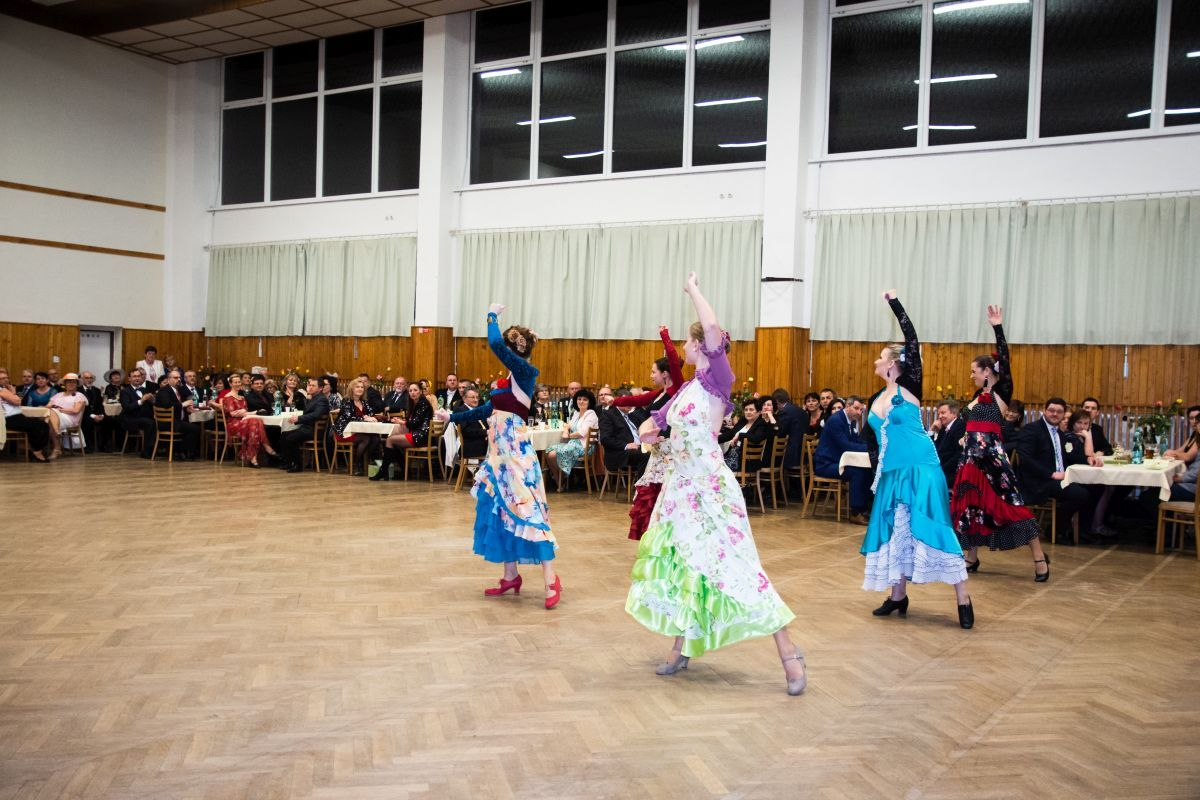 Divadelni-bál-26-038