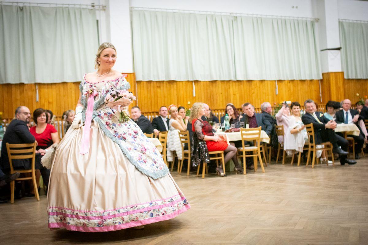 Divadelni-bál-26-112
