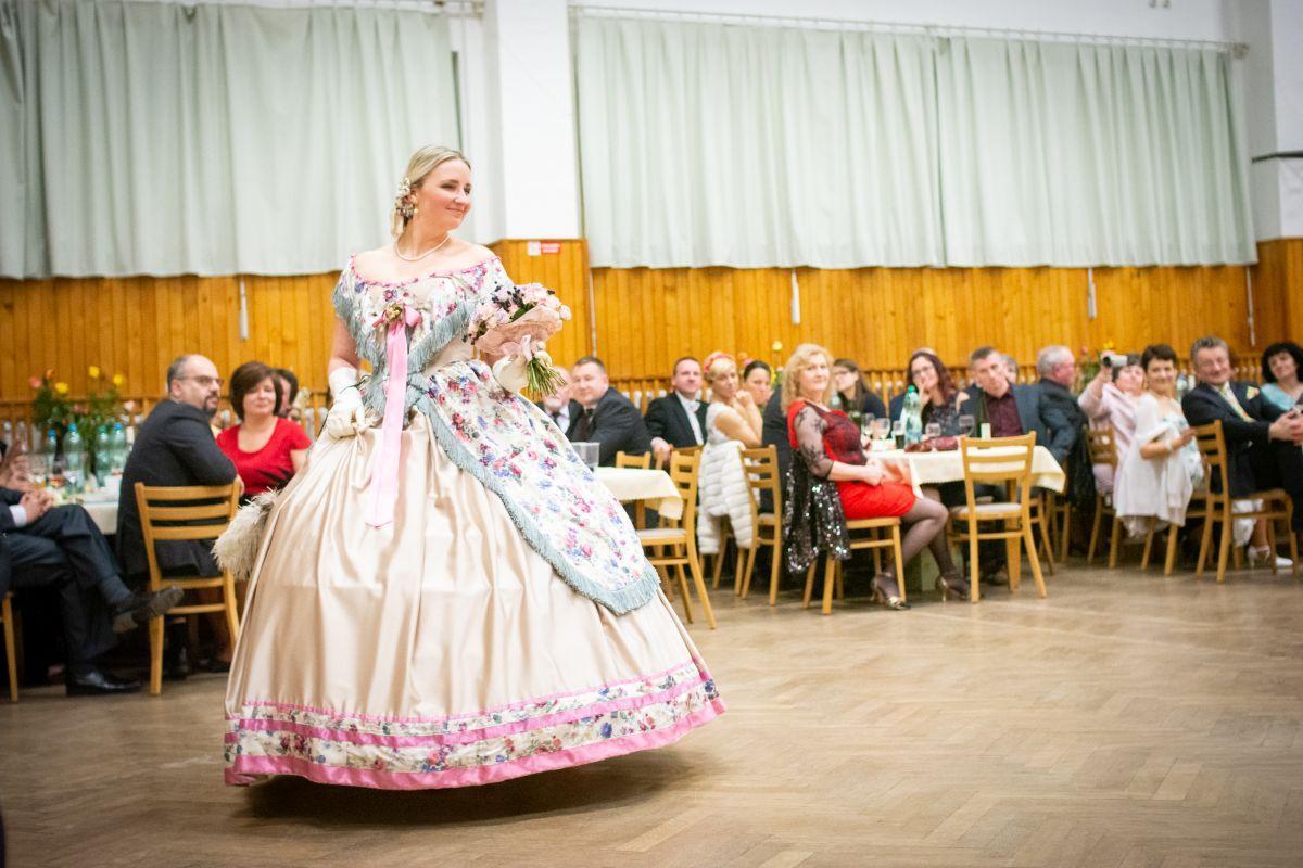 Divadelni-bál-26-113