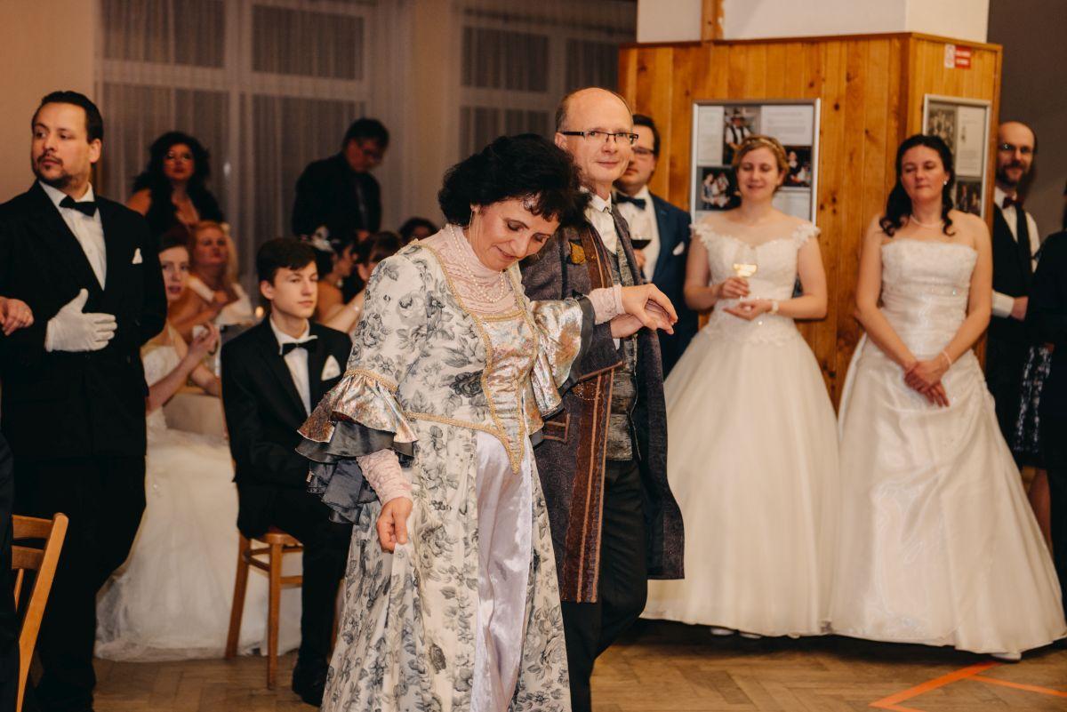 Divadelni-bal-25-011-1200