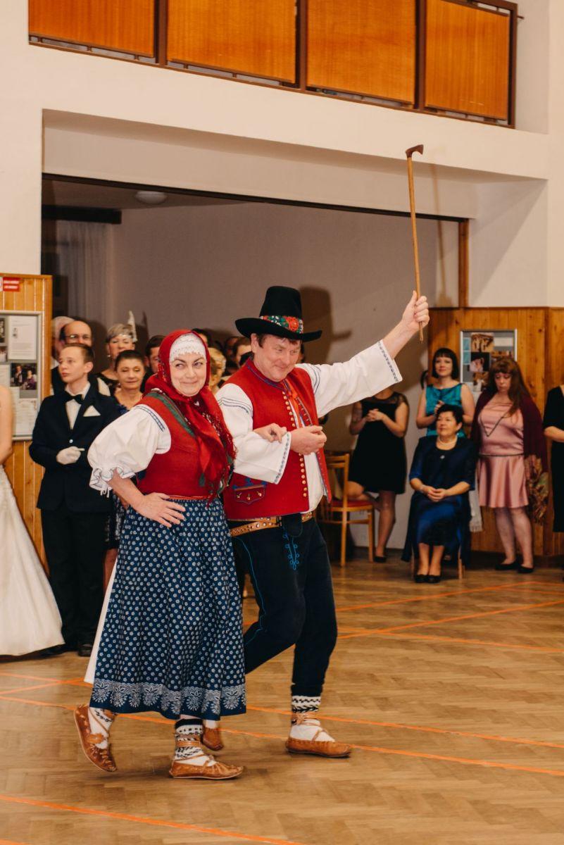 Divadelni-bal-25-016-1200