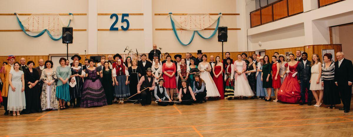 Divadelni-bal-25-051-1200